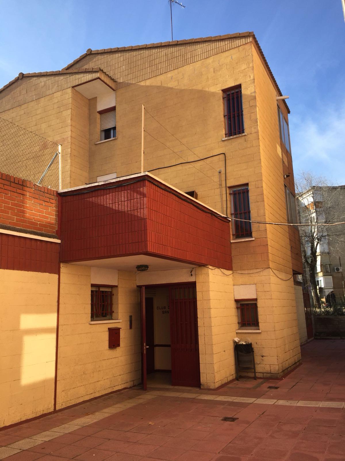 Casa Hogar Juan Vaccari 2c Barrio San Blas Madrid